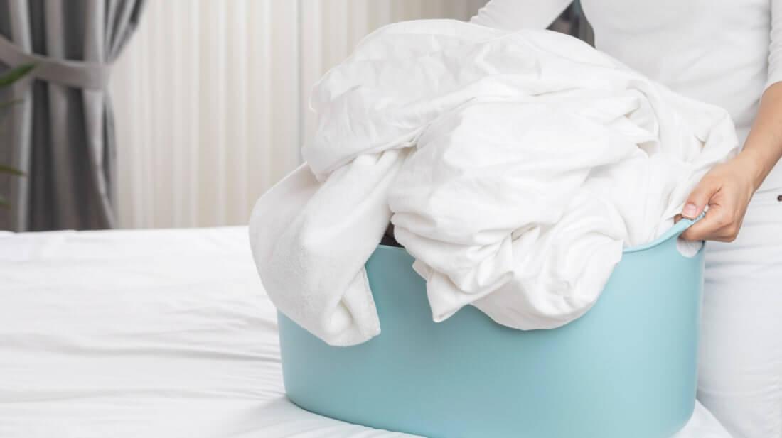 Cara Mencuci Noda dan Merawat Sprei Bahan Katun